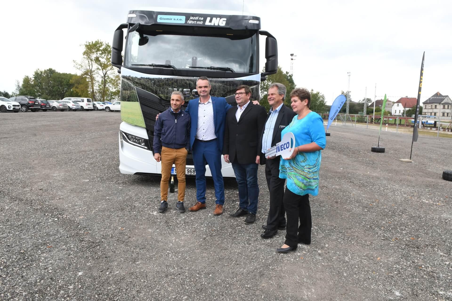 předání LNG kamionu
