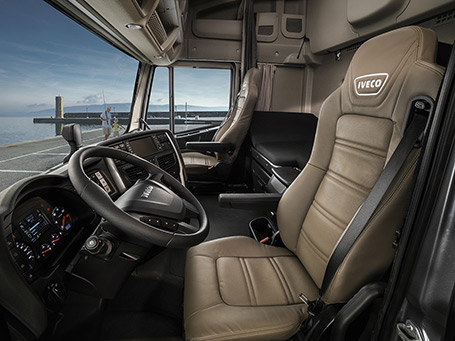 NEW-STRALIS-comfort-and-safety-2
