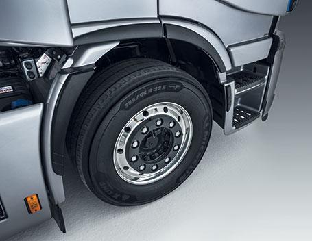 NEW-STRALIS-eco-tyres-IVECO