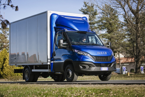 09-IVECO_NewDaily_CabBox