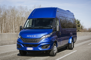 13-IVECO_NewDaily_minibus