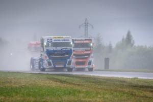Týmy Hahn Racing a Schwabentruck závodící s vozy Iveco Stralis