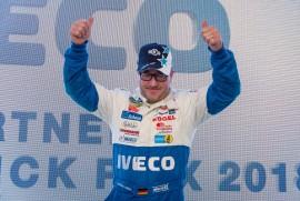 Jochen Hahn zvítězil v prvním nedělním závodě